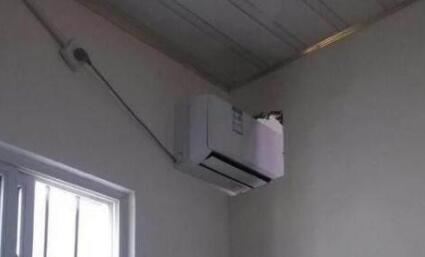 图示:一台空调能不能供两个房间?怎样实现一台空调供两个房间?