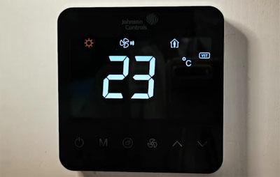 江森自控T9000液晶温控器怎么样?江森T9200液晶温控面板好不好?
